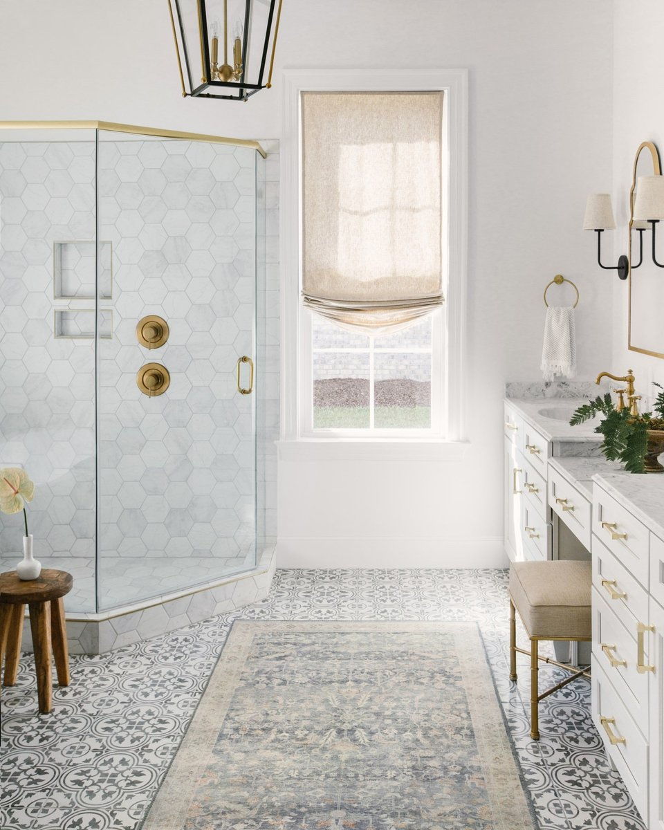 Decorate your bathroom with a rug