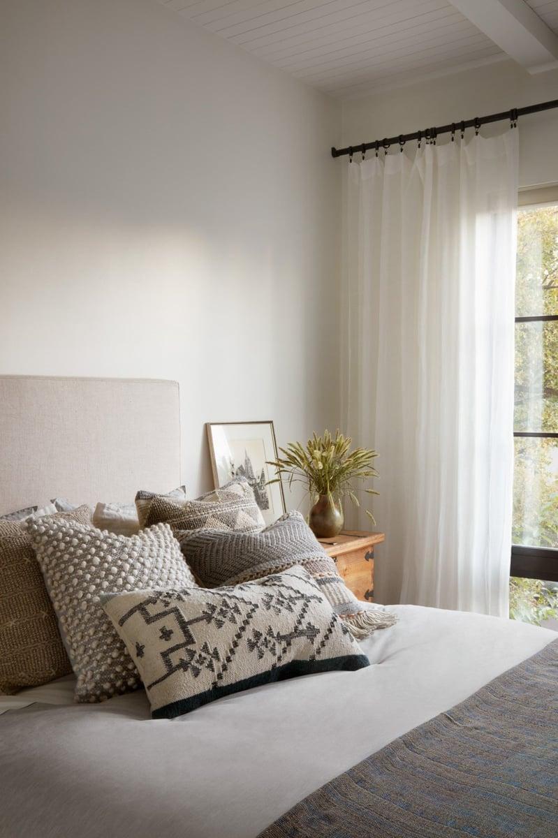 Gorgeous Greys Bedroom Decor Ideas