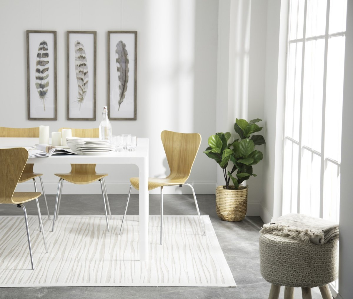 Mid-Century Comfort Dining Room Decor Ideas