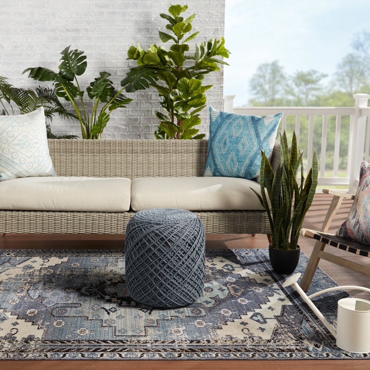 Cool Blue Outdoor Rug Ideas