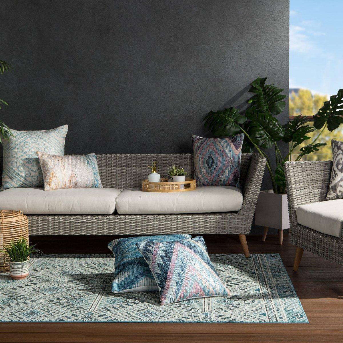 Calming Colors - Boho Outdoor Living Room Decor Ideas