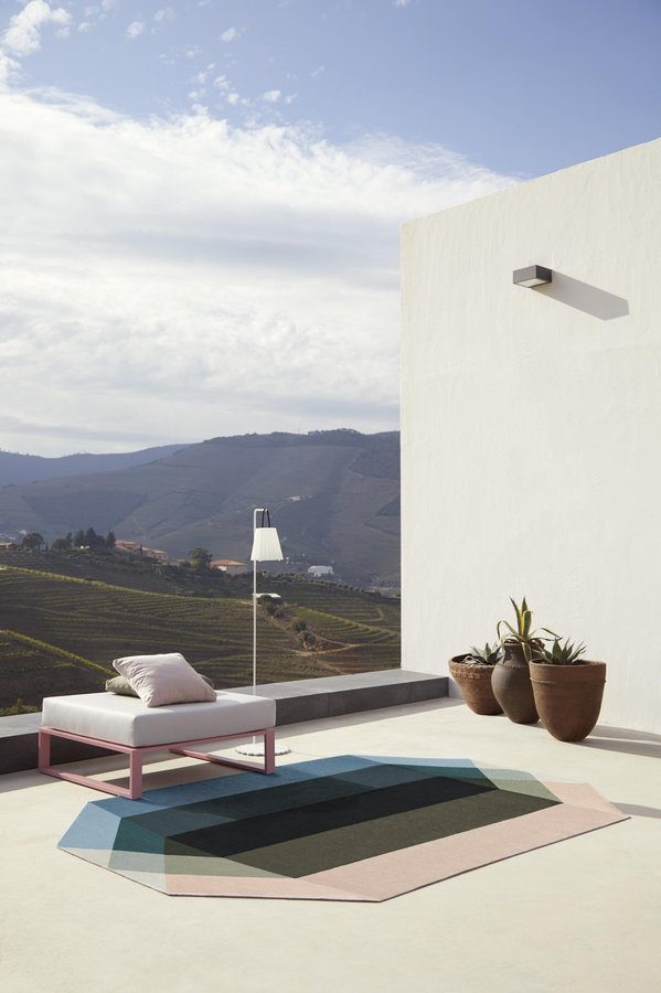 Prismatic Lounge Outdoor Rug Ideas