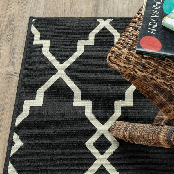 Black, Ivory Contemporary / Modern Area Rug
