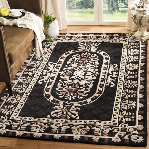 Black (A) Traditional / Oriental Area Rug