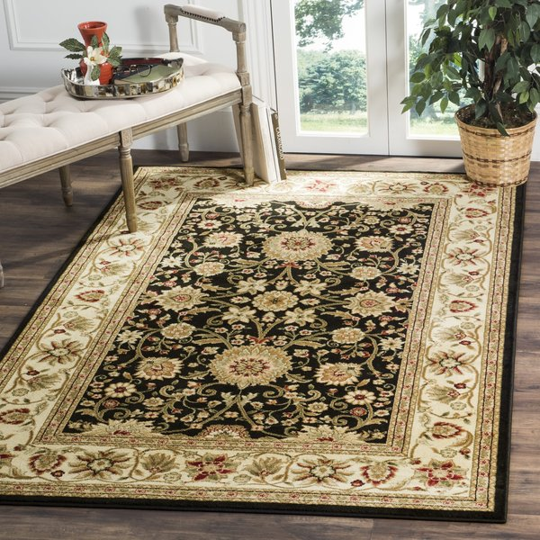 Black, Creme (A) Traditional / Oriental Area Rug