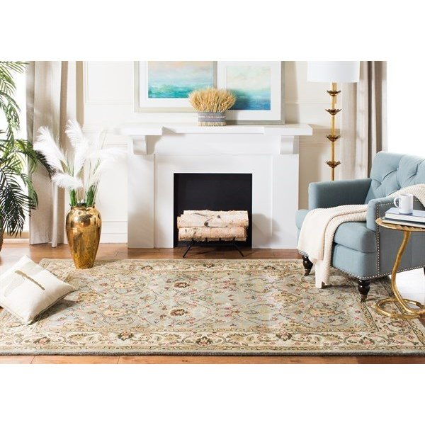 Grey, Ivory (L) Traditional / Oriental Area Rug