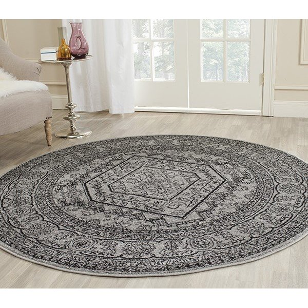 Silver, Black (A) Traditional / Oriental Area Rug