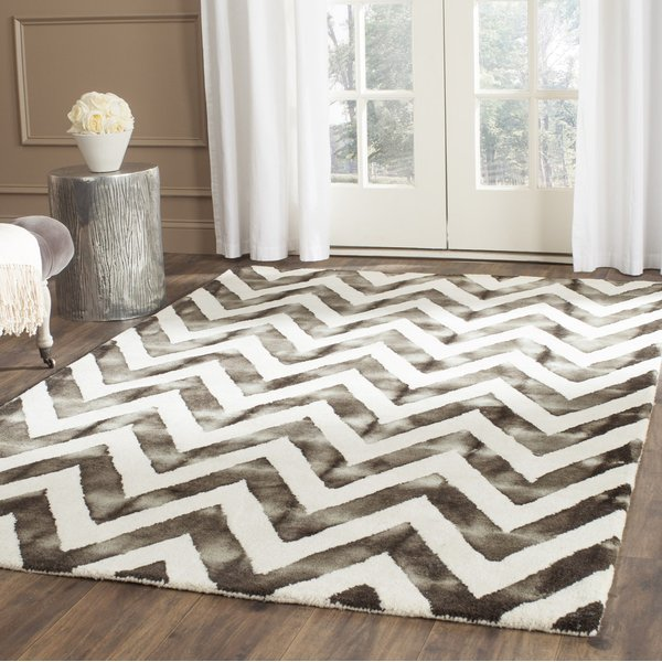 Ivory, Charcoal (D) Chevron Area Rug