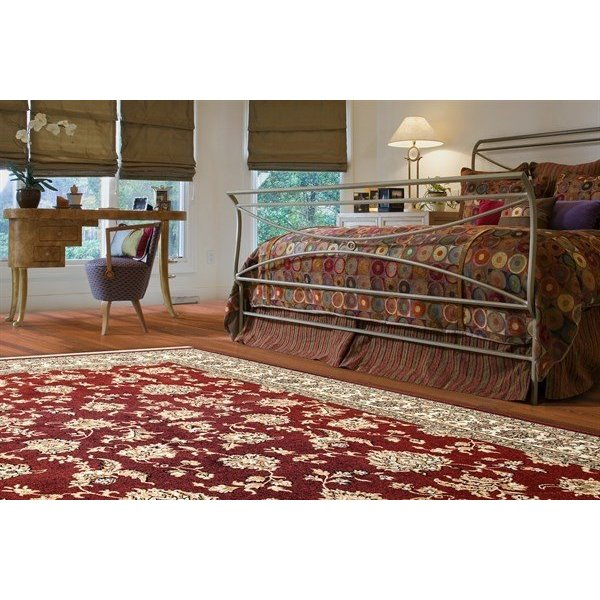 Red (330) Traditional / Oriental Area Rug