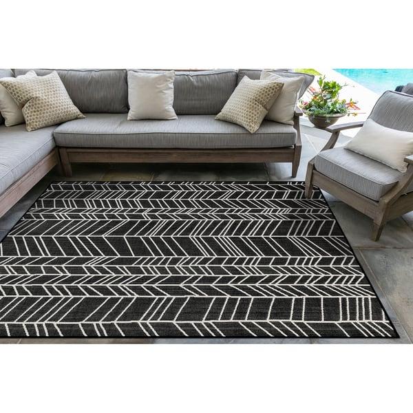 Black (98) Contemporary / Modern Area Rug