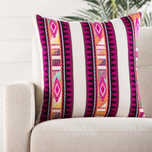 Fuchsia, Ivory (MDA-04) Moroccan pillow