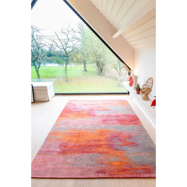 Hibiscus Red (9116) Contemporary / Modern Area Rug