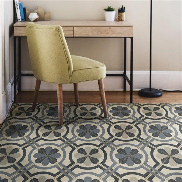 Distressed Grey, Ivory Contemporary / Modern Area Rug