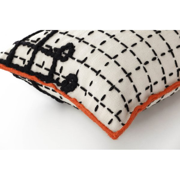 White Contemporary / Modern pillow
