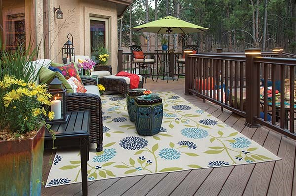 Ivory, Green Outdoor / Indoor Area Rug
