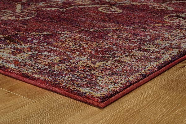 Red, Gold (E) Traditional / Oriental Area Rug