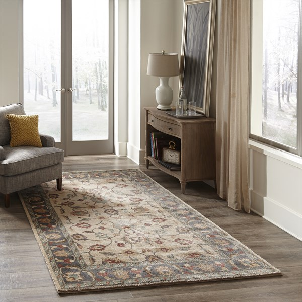 Beige Traditional / Oriental Area Rug