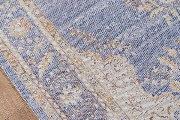 Periwinkle Traditional / Oriental Area Rug