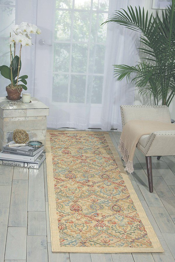Light Gold Traditional / Oriental Area Rug