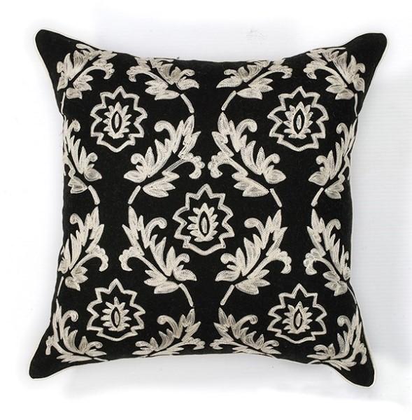 Black, White (L-118) Traditional / Oriental pillow