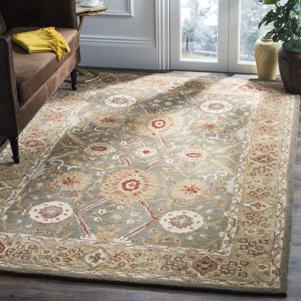 Sage, Ivory (A) Traditional / Oriental Area Rug