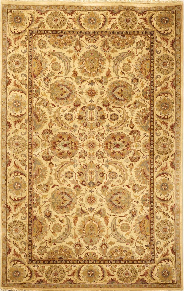 Ivory, Ivory (A) Traditional / Oriental Area Rug