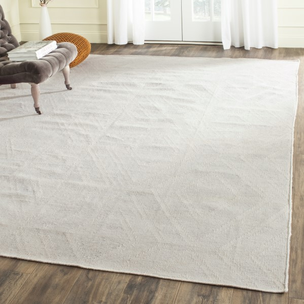 Silver, Ivory (D) Contemporary / Modern Area Rug