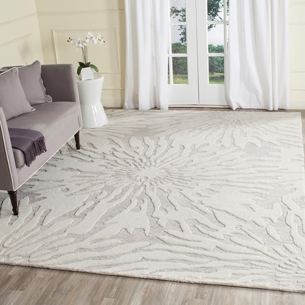 Silver, Ivory (A) Floral / Botanical Area Rug