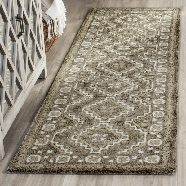 Brown, Taupe (A) Southwestern Area Rug