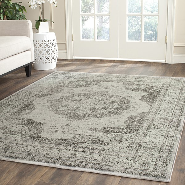Grey (770) Traditional / Oriental Area Rug
