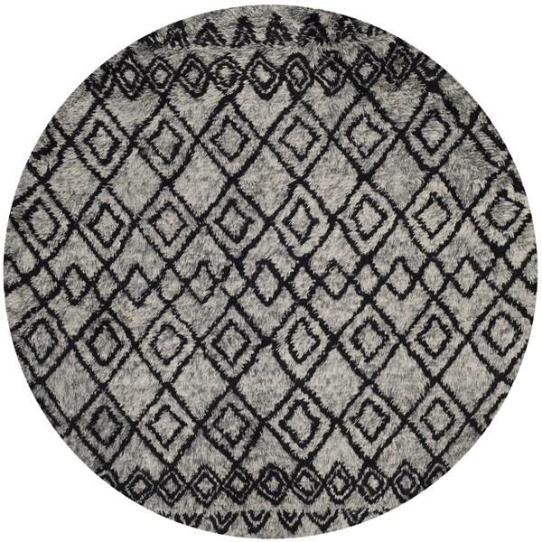 Grey, Charcoal (K) Southwestern / Lodge Area Rug