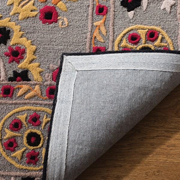 Light Grey, Black (A) Traditional / Oriental Area Rug