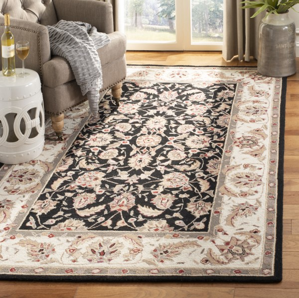 Black, Ivory (A) Traditional / Oriental Area Rug