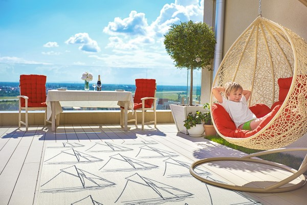 Ivory, Navy (01) Outdoor / Indoor Area Rug