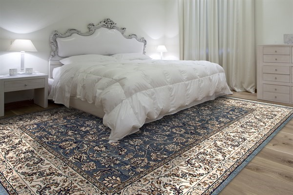 Blue (920) Traditional / Oriental Area Rug