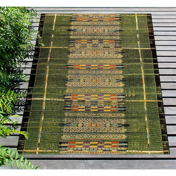 Green (8057-06) Outdoor / Indoor Area Rug