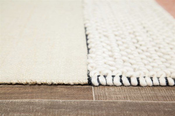 Ivory, Blue, Red Rustic / Farmhouse Area Rug