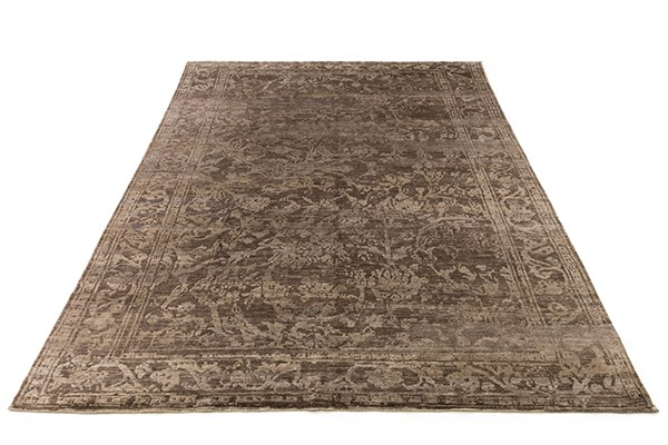 Pinecone Traditional / Oriental Area Rug