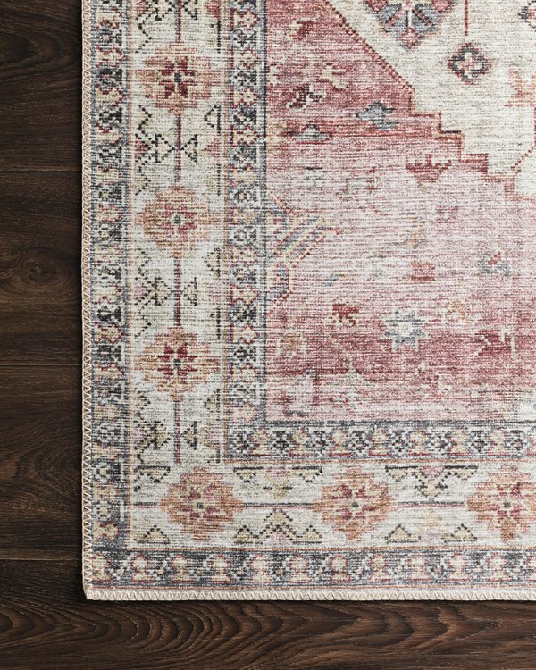 Ivory, Berry Traditional / Oriental Area Rug