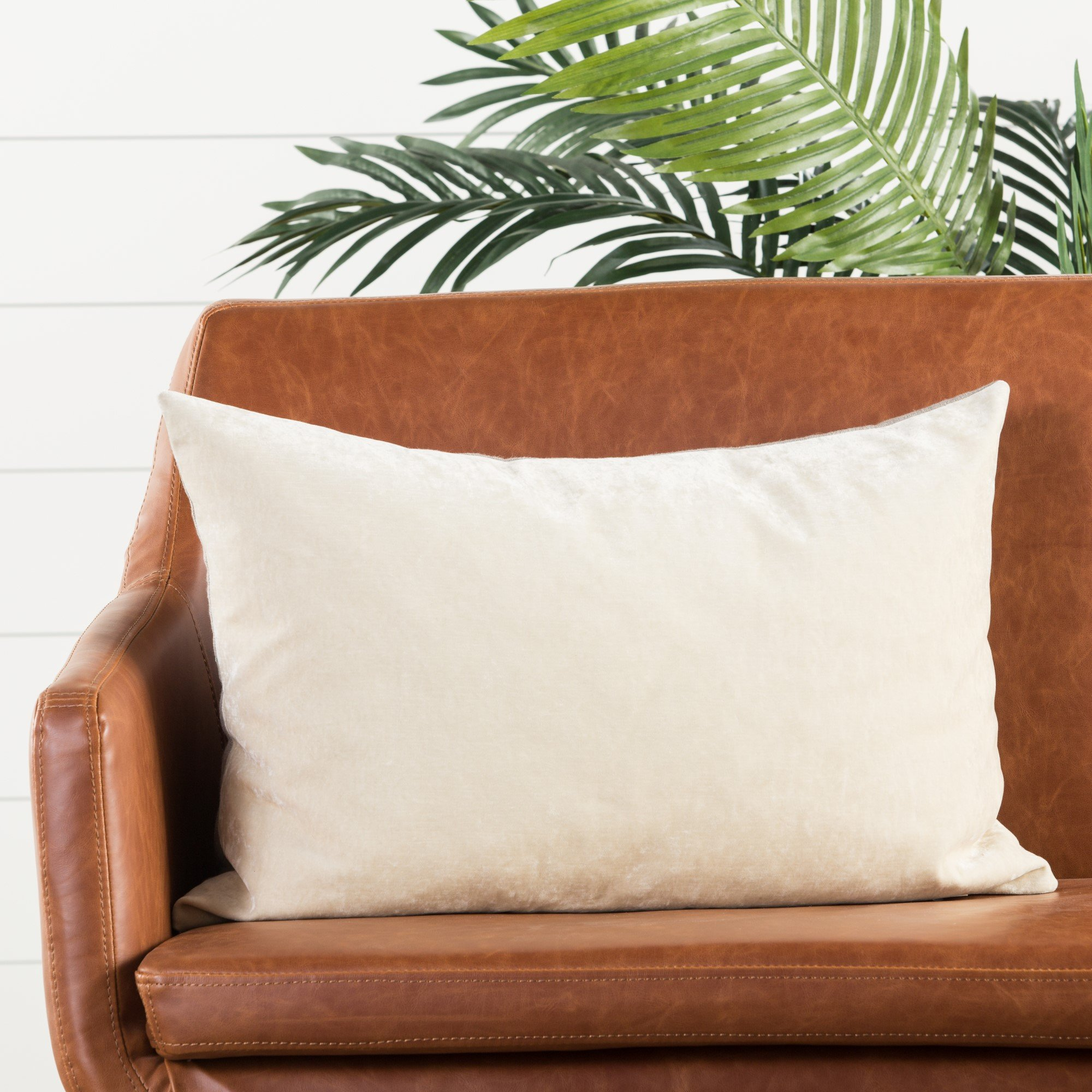 Jaipur Living Luxe Pillows Solid