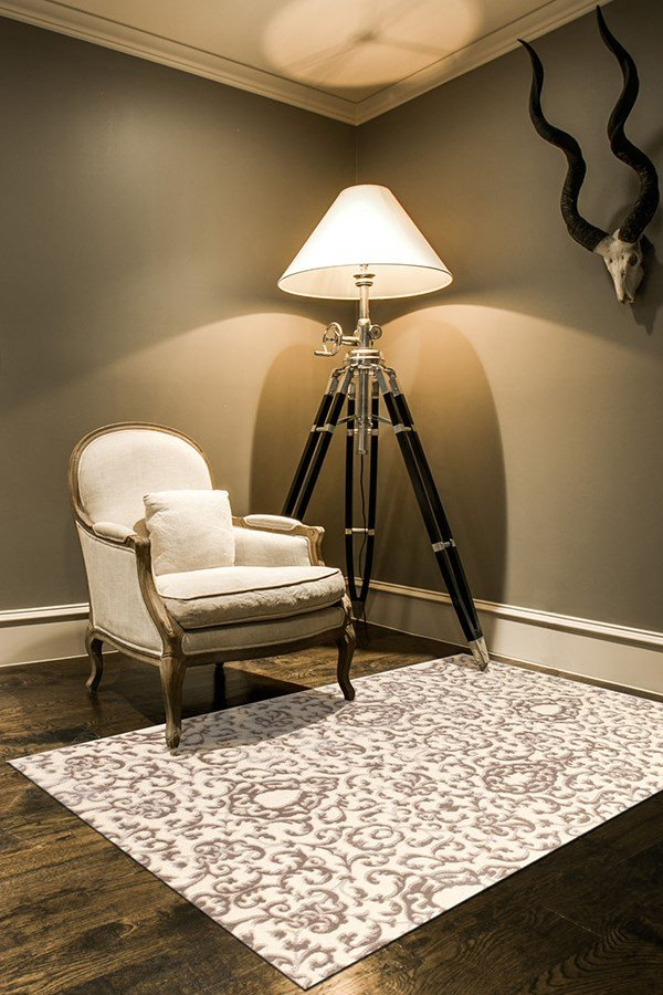 Cream, Gray Traditional / Oriental Area Rug