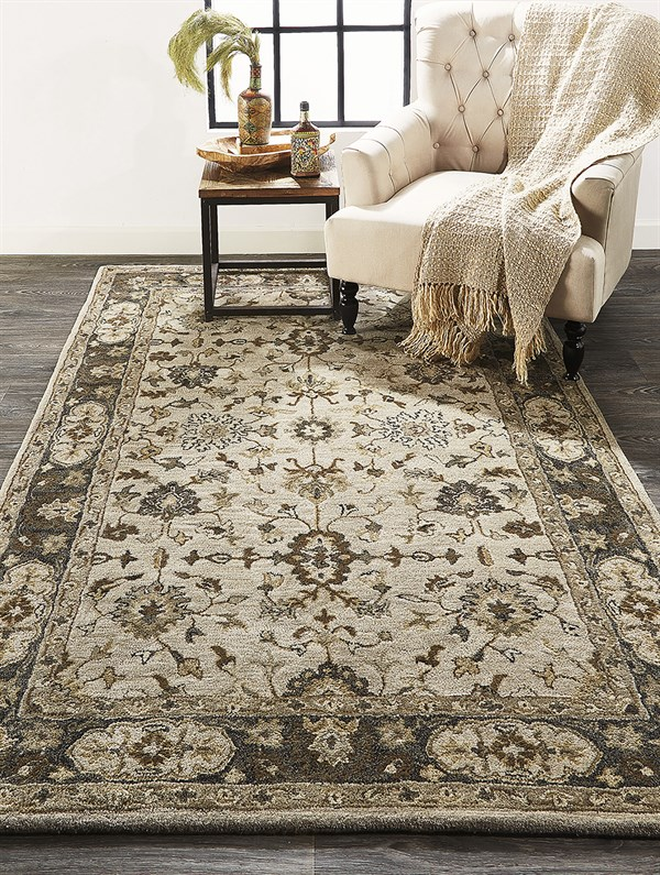 Gray Traditional / Oriental Area Rug