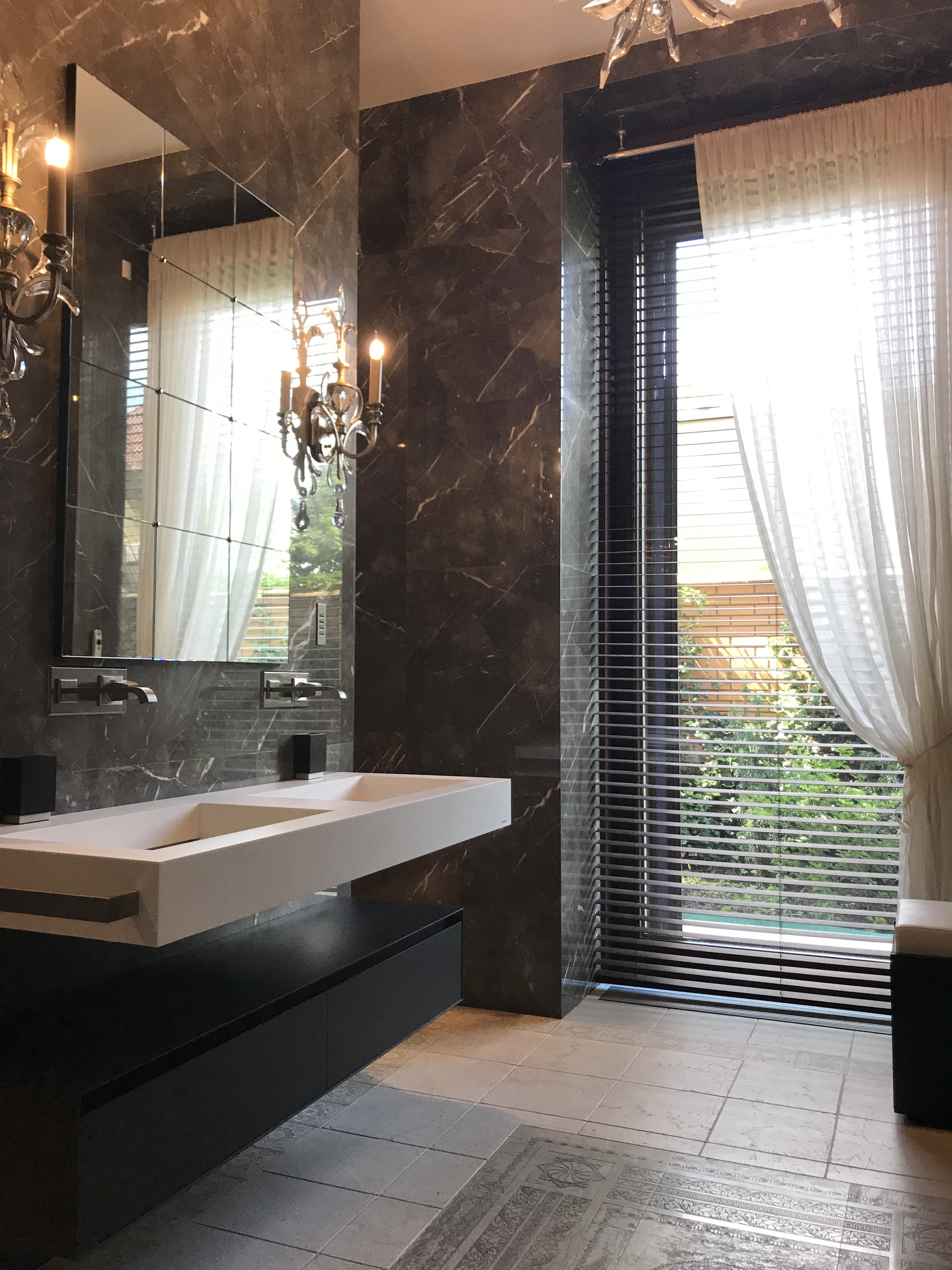 Backyard View Bathroom Decor Ideas