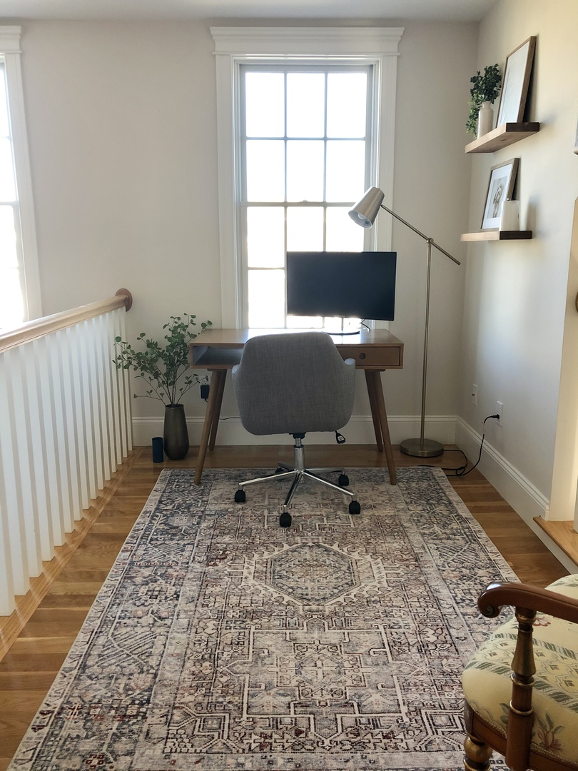 Small Space Functionality Office Decor Ideas