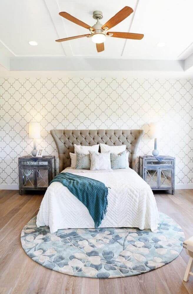 Round Floral Rug in Bedroom